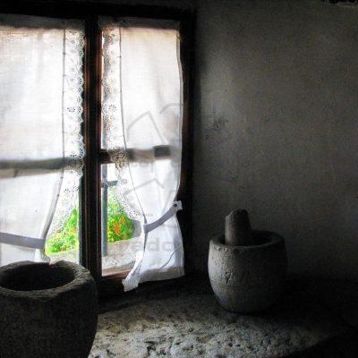 Skozi okno
