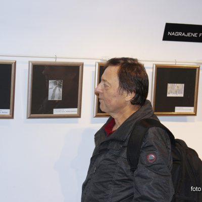 Žarko Petrovič pred svojo nagrajeno fotografijo