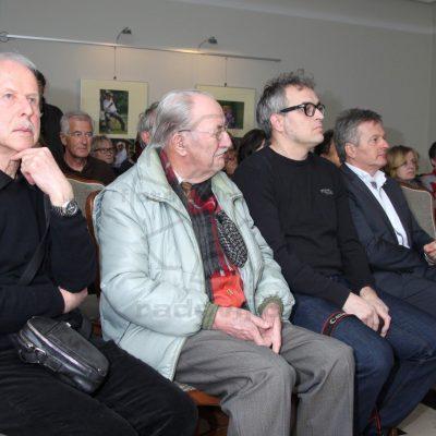 Prva vrsta iz leve na desno: Žirant Jakob Gnilšak, starosta FDR Ivan Pipan, žirant Gorazd Kavčič, župan Ciril Globočnik in prvo nagrajeni Ljubo Kozic