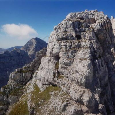 Preluknjana gora 2600m
