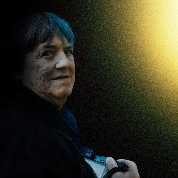 Ostati ali iti v svetlobo? Fotografija Ljubota je nastala 2. 3. 2019. Foto Žarko Petrovič